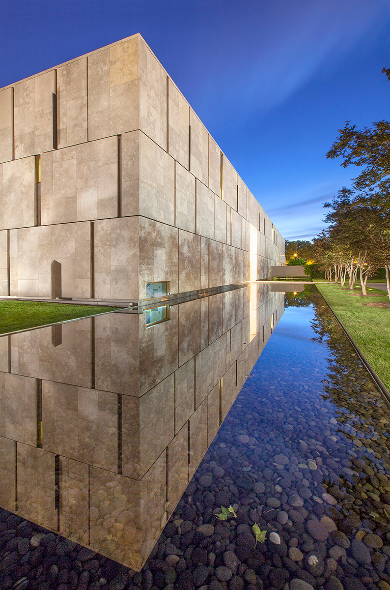 Entry with Reflecting Pond, Barnes Foundation Philadelphia