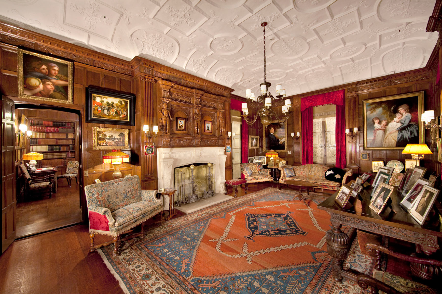 Library,    Nemours Mansion